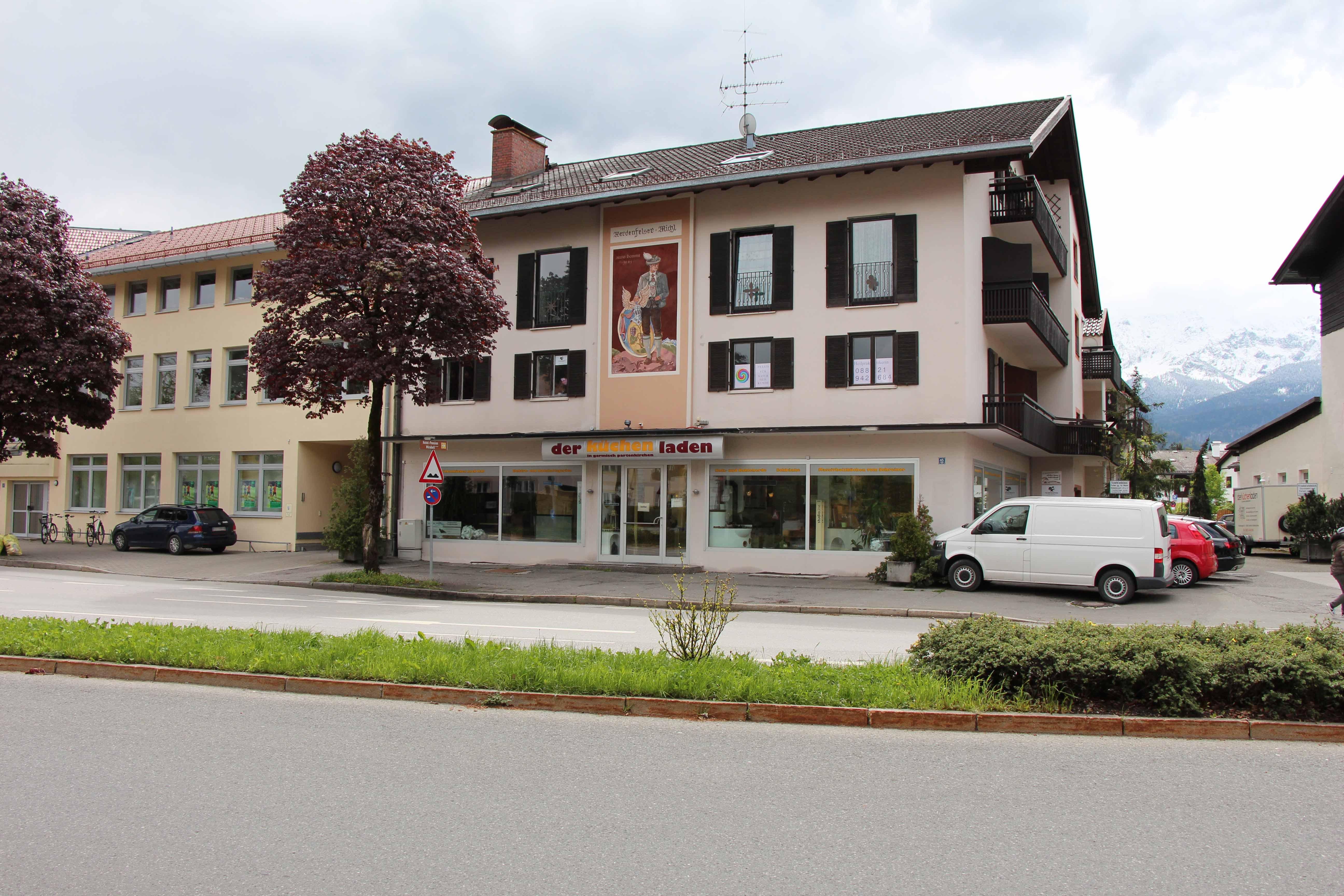 Bild der Außenansicht der Praxis für Naturheilkunde der Heilpraktikerin Diane Zardini in Garmisch-Partenkirchen.